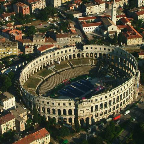 Estadio de Pula, en Croacia